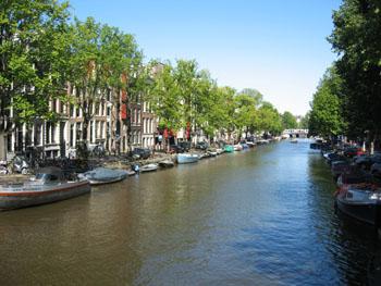 0804 canal avant parade.jpg