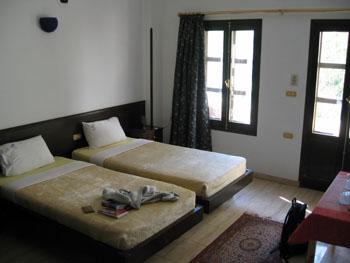 E L Hotel.jpg